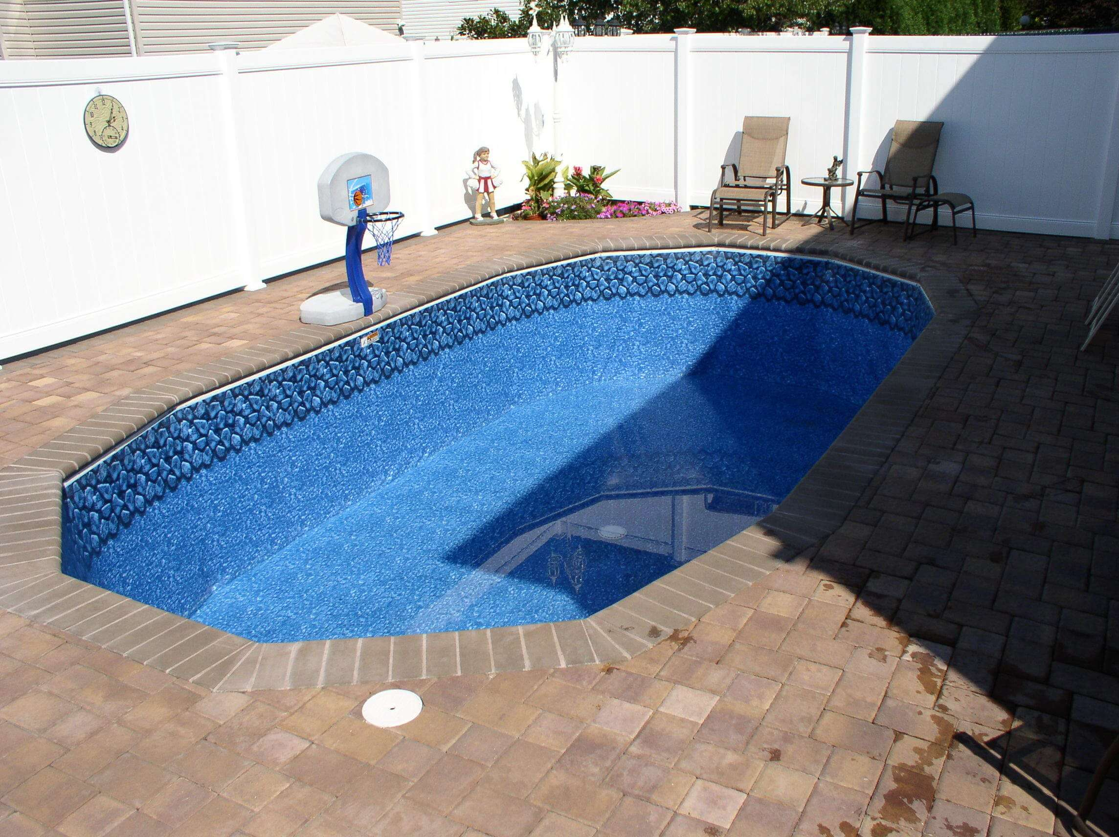 Pool volume chart swimming pool gallons for Swimming pool cost calculator